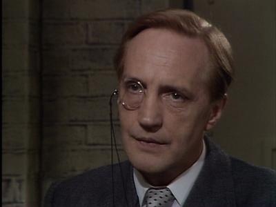 I do love Edward Petherbridge and he made a fine Lord Peter...