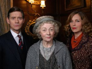 Anthony Andrews and Greta Scacchi as Tommy and Tuppence with Geraldine McEwan as Miss Marple in the much later, pretty awful ITV adaptation of By The Pricking of My Thumbs - great cast, shame about the script!