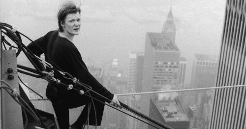 Philippe Petit - this picture gives me vertigo...